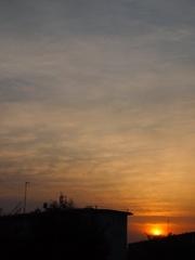6時過ぎ夕日が沈みます.jpg