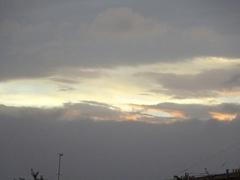 ?夕方 雲が切れてきた 晴れるかな.jpg