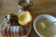 お昼はパン♪-1.jpg