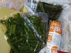 ツヤ姉から山菜が 年越しそばで食べましょう.jpg