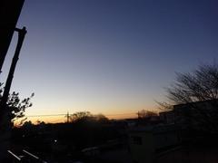 朝6時半 綺麗な朝のブルーモーメント.jpg