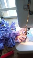 裾縫うの小さいから大変だけど楽しい.jpg