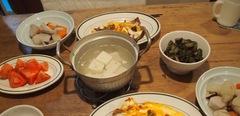里芋の煮物と何だか分からない肉料理♪.jpg