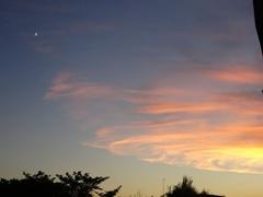 7時過ぎ雲が茜色に染まりはじめ.jpg